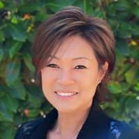 Yvette  Teng