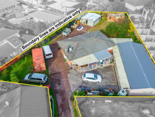 11 Gladfield Lane, Te Atatu Peninsula, Auckland
