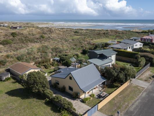 6 James Street, Waikawa Beach, Manawatu-Wanganui