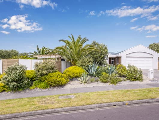 43 Quadrant Heights, Paraparaumu, Wellington