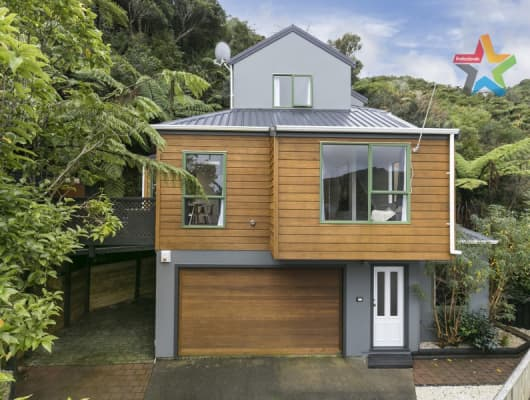 5A Parsons Glen, Karori, Wellington