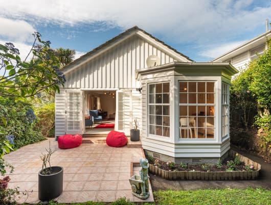 48 Homewood Cres, Karori, Wellington