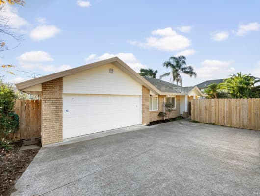 2/236 Cascades Road, Botany Downs, Auckland