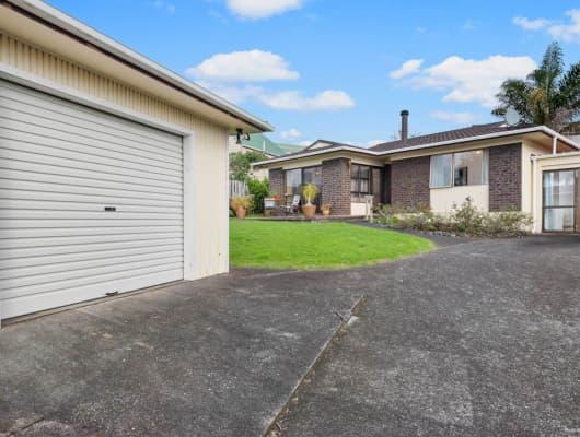 9 Ian Place, Glendene, Auckland