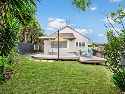 16 Fernlea Rise, Bayview, Auckland