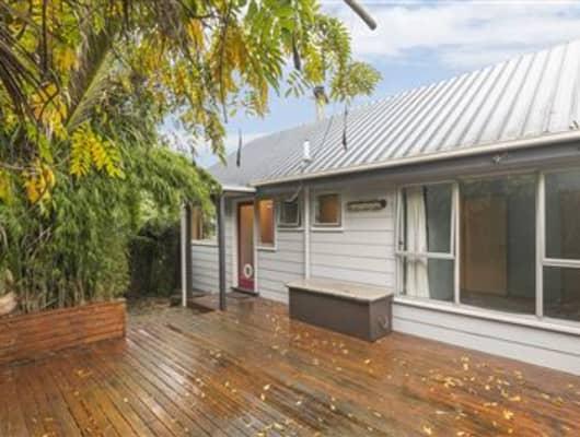 2/57 Hogans Road, Glenfield, Auckland