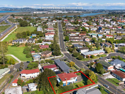 54 Royal View Rd, Te Atatu South, Auckland
