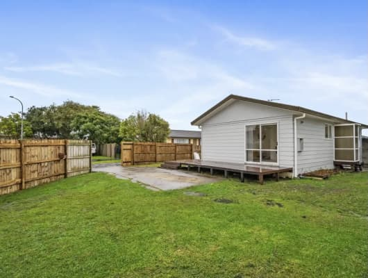 1/3 Sparrow Place, Weymouth, Auckland