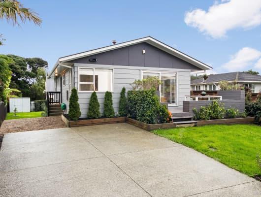 17 Taioma Crescent, Te Atatu Peninsula, Auckland