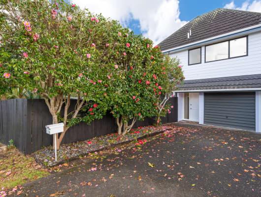 1/2A Sunnynook Road, Sunnynook, Auckland