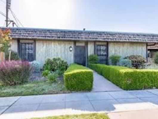 3677 North Fruit Avenue, Fresno, CA, 93705