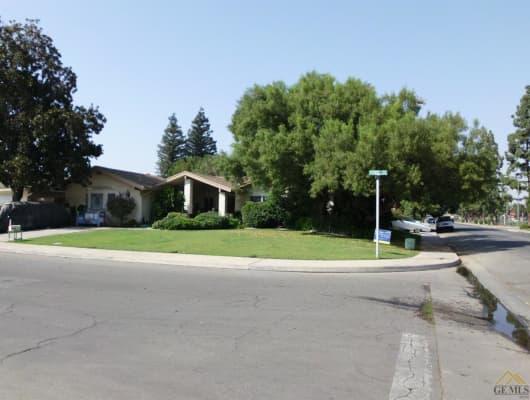4700 Perris Way, Bakersfield, CA, 93309