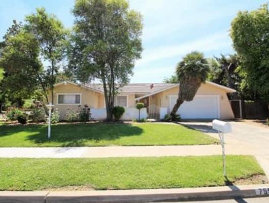 755 West Palo Alto Avenue, Bullard, CA, 93704