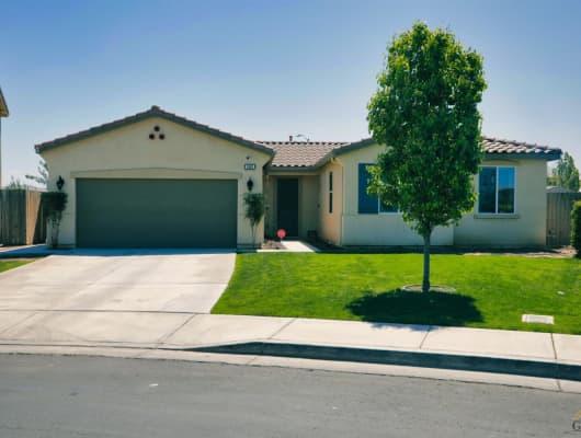 5609 Gozum Drive, Bakersfield, CA, 93313