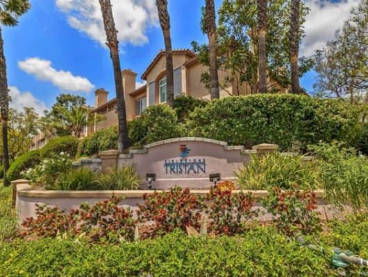 J/11368 Via Rancho San Diego, Rancho San Diego, CA, 92019