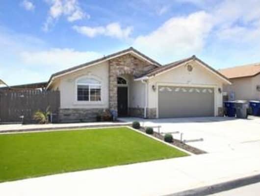 5619 West University Avenue, Fresno, CA, 93722