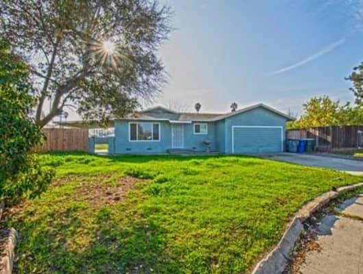 121 West Menlo Avenue, Fresno, CA, 93704