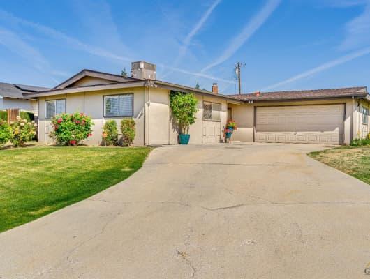 400 McKelvey Avenue, Oildale, CA, 93308