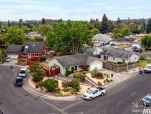 8484 Liman Way, Rohnert Park, CA, 94928