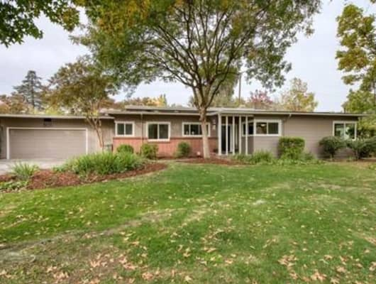 801 E Hampton Way, Old Fig Garden, CA, 93704