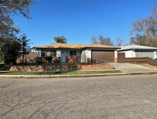 3368 West Ashcroft Avenue, Fresno, CA, 93722