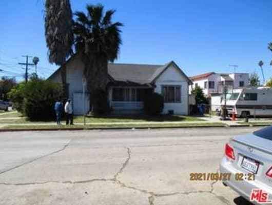 901 70th Street, Los Angeles, CA, 90044