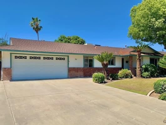 711 Pebble Beach Drive, Bakersfield, CA, 93309