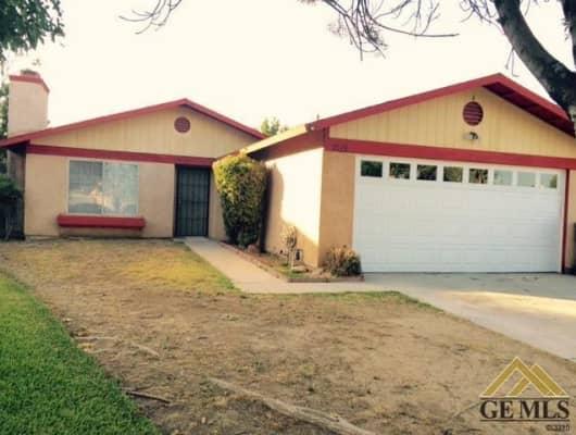 2028 Magdelena Ave, Bakersfield, CA, 93307