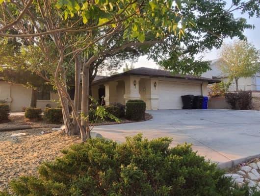 La Paz Drive, Victorville, CA, 92395