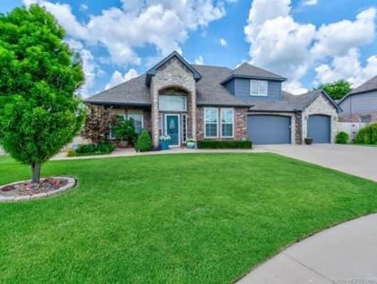 107 Prairie Ridge Court, Bartlesville, OK, 74006