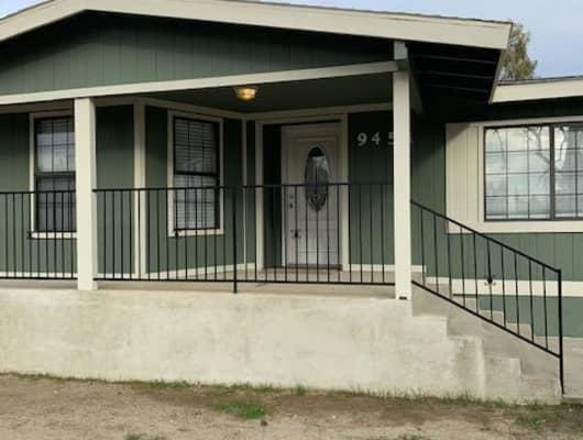 9451 9451, East Bakersfield, CA, 93305