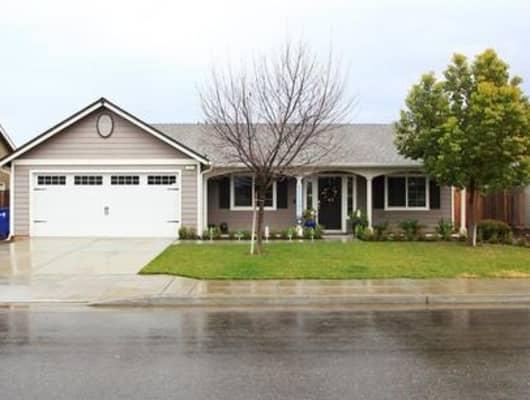 650 South Pearwood Avenue, Fresno, CA, 93727