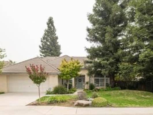 2560 Dovewood Avenue, Clovis, CA, 93611