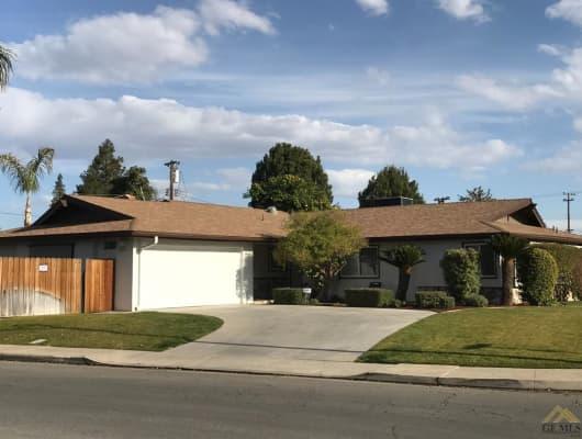 3300 Elm Street, Bakersfield, CA, 93301