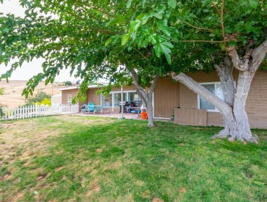 523 Wilson Ave, Taft Heights, CA, 93268