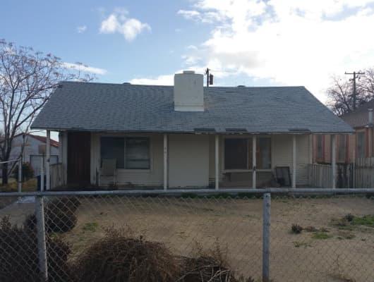 302 Pierce St, Ford City, CA, 93268