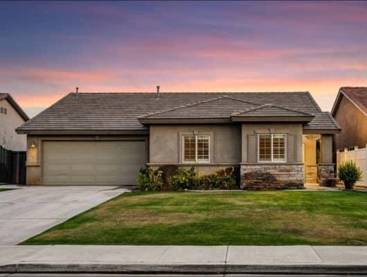 11715 Apple Valley Court, Bakersfield, CA, 93312