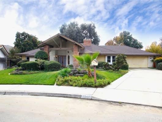 1047 West Sunnyside Avenue, Visalia, CA, 93277
