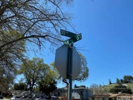 30th St, El Paso de Robles (Paso Robles), CA, 93446