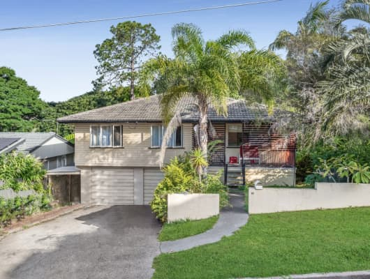 16 Doulton Street, Stafford Heights, QLD, 4053