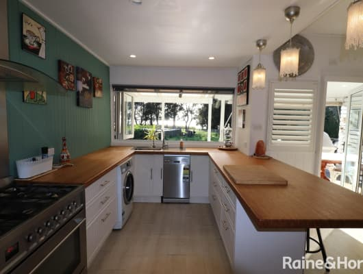 135 Lakedge Ave, Berkeley Vale, NSW, 2261