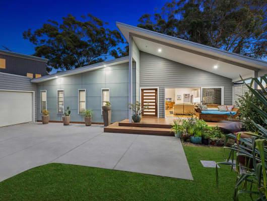 19 Bateau Bay Road, Bateau Bay, NSW, 2261