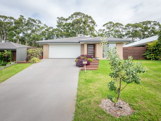 5 Humpback Crescent, Safety Beach, NSW, 2456