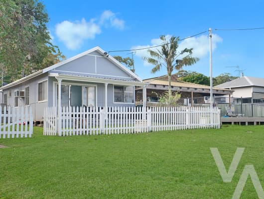 67 Bay Rd, Bolton Point, NSW, 2283