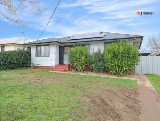 32 McKell Ave, Mount Austin, NSW, 2650