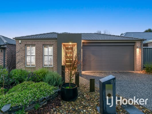 21 Waler Circuit, Clyde North, VIC, 3978
