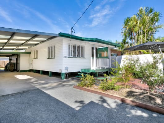 221 Spence St, Bungalow, QLD, 4870