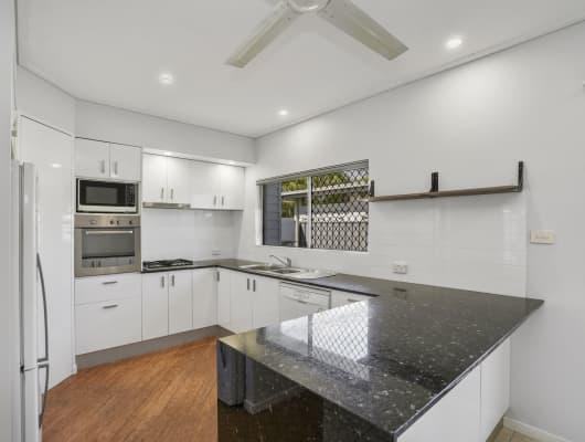 5 Jacaranda St, Holloways Beach, QLD, 4878