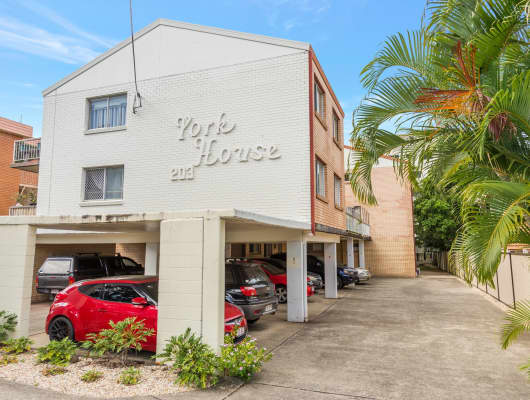 10/203 Scarborough Street, Southport, QLD, 4215