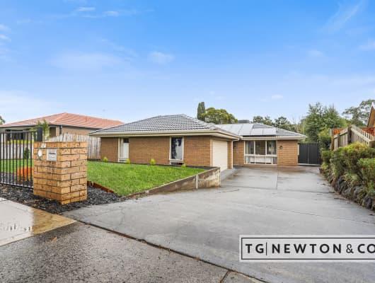 67 Sydney Parkinson Ave, Endeavour Hills, VIC, 3802